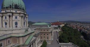 Powietrzni strzały pałac królewski lub Buda kasztel w Budapest mieście zdjęcie wideo