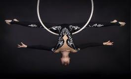 Powietrzny akrobata w pierścionku Fotografia Stock