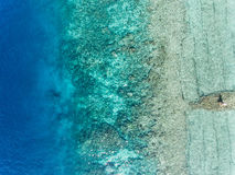 Powietrzny denny widok Błękitna głęboka woda Fotografia Royalty Free