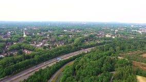 Powietrzny 4k widok autobahn w Niemcy Duisburg zdjęcie wideo