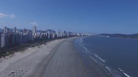 Powietrzny materiał filmowy plaża miasto Santos w Sao Paulo stanie w Brazylia Lipiec, 2016 zbiory wideo