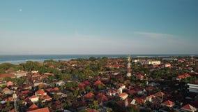 Powietrzny materiał filmowy Sanur Cityview z plażą w Bali Inonesia trutnia widoku zdjęcie wideo