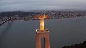 Powietrzny nocy lub wieczór ptasi widok sanktuarium Chrystus królewiątko zbiory wideo