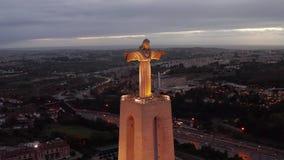 Powietrzny nocy lub wieczór ptasi widok sanktuarium Chrystus królewiątko zdjęcie wideo