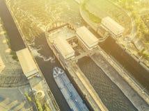 Powietrzny odgórny widok statku doku bramy terminal w porcie f zdjęcie stock