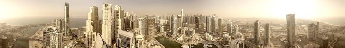 Powietrzny panoramiczny widok Dubaj Marina drapacze chmur przy zmierzchem Zdjęcie Stock
