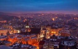 Powietrzny panoramiczny widok dziejowy centrum miasta przy noc?, Lviv, Ukraina Unesco ?wiatowego Dziedzictwa Miejsce obraz royalty free