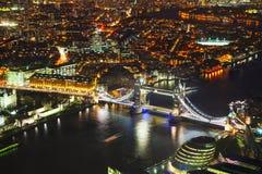 Powietrzny przegląd Londyński miasto z Basztowym mostem Obrazy Stock