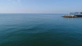 Powietrzny trutnia latanie, falochron i latarnia morska, zbiory wideo