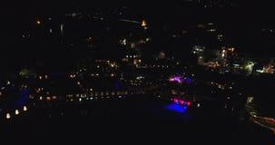 Powietrzny trutnia materiał filmowy jachty i łodzie dokował w Portowym Riposto, Giarre, Sicily w cieniu góry Etna noc zdjęcie wideo