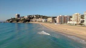 Powietrzny trutnia materia? filmowy od ma?ej wioski Sant Antoni de Calonge od Hiszpania, w Costa Brava zdjęcie wideo