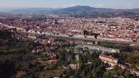 Powietrzny trutnia materiału filmowego wideo - panoramiczny widok Florencja zdjęcie wideo