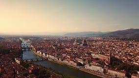 Powietrzny trutnia materiału filmowego wideo - panoramiczny widok Florencja zbiory wideo
