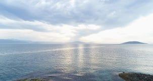 Powietrzny trutnia wideo zmierzch nad morza egejskiego, grka wyspami z i, Grecja, 4k 50fps zdjęcie wideo