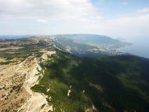 Powietrzny trutnia widok sceniczny widok górski, Crimea Fotografia Royalty Free