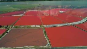 Powietrzny trutnia widok solankowe niecki, saltworks blisko Burgas, Bułgaria zbiory wideo