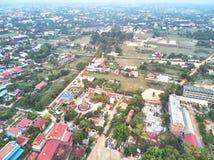 Powietrzny trutnia widok traditionnal kambodżańska świątynia Zdjęcia Royalty Free