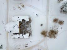 Powietrzny trutnia widok zaniechany rujnującego poprzedniego Venevitinov dwór w Gorozhanka, Voronezh region w zimie zdjęcia stock