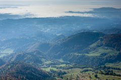 Powietrzny wieś widok w spadku. zdjęcie royalty free