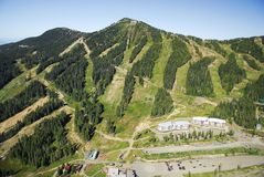 Powietrzny wizerunek Mt Waszyngtoński wysokogórski ośrodek narciarski, BC, Kanada zdjęcia royalty free