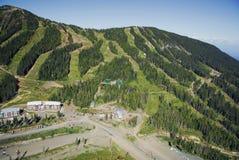 Powietrzny wizerunek Mt Waszyngtoński wysokogórski ośrodek narciarski, BC, Kanada zdjęcie royalty free