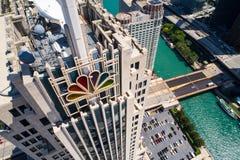 Powietrzny wizerunek NBC budynku W centrum Chicagowski usa Obrazy Stock