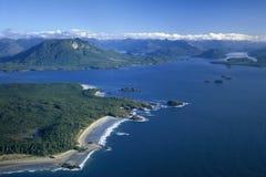 Powietrzny wizerunek Vargas wyspa, Tofino, BC, Kanada obrazy stock