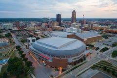 Powietrzny wizerunek Wells Fargo areny Des Moines Iowa obrazy royalty free