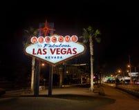 Powitanie Las Vegas znak przy nocą - Las Vegas, Nevada, usa Zdjęcie Royalty Free