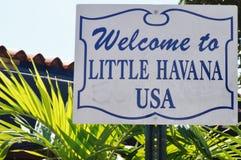 Powitanie Mały Hawański usa podpisuje wewnątrz Miami, Floryda Zdjęcia Royalty Free