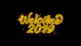 Powitanie 2019 typografia Pisać z Złotymi cząsteczek iskier fajerwerkami royalty ilustracja