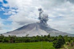 Powulkaniczna erupcja, potężny wybuch vulcano Fotografia Royalty Free