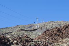 Powulkaniczny krajobraz - kablowa kolej zdjęcie royalty free