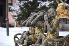 Pozłocista rzeźba trzy małpy No mówję, Ja no widzię, no mogę słuchać, Fotografia Stock