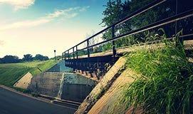 poza mosta odległości horyzontu linia kolejowa kolejowy rozciąganie tropi Obraz Royalty Free