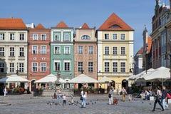 POZAN, POLAND/EUROPE - 16 SEPTEMBRE : Rangée de maison multicolore Photographie stock libre de droits