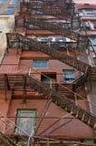 pozatym ucieczka dom ognia wiodącą metalu nowoczesnych schody Zdjęcie Royalty Free