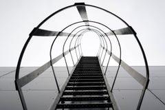 pozatym ucieczka dom ognia wiodącą metalu nowoczesnych schody Zdjęcie Stock
