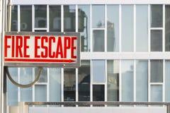 pozatym ucieczka dom ognia wiodącą metalu nowoczesnych schody Zdjęcia Stock