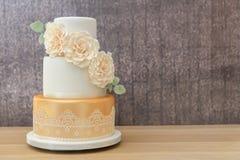 3 poziomów ślubny tort obraz stock