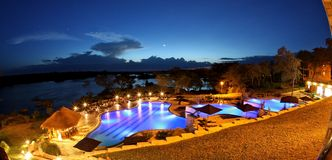POZIOMA basen PRZY nocą Fotografia Stock
