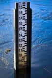 Pozioma wody pomiaru wymiernik. Zdjęcie Royalty Free