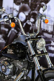 POZNÁN - 9 DE ABRIL: Harley-Davison en feria en el salón del automóvil Fotografía de archivo libre de regalías