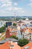 Poznán, Polonia - 28 de junio de 2016: Opinión sobre edificios viejos o modernos en la ciudad Poznán Fotografía de archivo libre de regalías