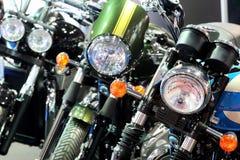 POZNAŃSKI - KWIECIEŃ 09: Rząd motocykle na jarmarku przy Motorowym przedstawieniem Obraz Royalty Free