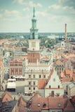 Poznański, Polska, Czerwiec - 28, 2016: Rocznik fotografia, budynki w połysku mieście Poznańskim, urzędu miasta, starych i nowoży Obrazy Stock