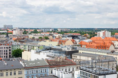 Poznański, Polska, Czerwiec - 28, 2016: Widok na starych i nowożytnych budynkach w połysku miasteczku Poznańskim Obrazy Stock
