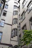 Poznan-Polen En intressera belagd med tegel byggnad Royaltyfria Bilder