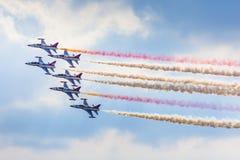 POZNAN POLEN - JUNI 14: Aerobatic gruppbildande Royaltyfri Foto