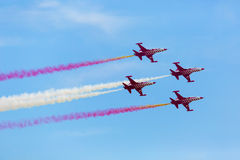 POZNAN POLEN - JUNI 14: Aerobatic gruppbildande Royaltyfria Bilder